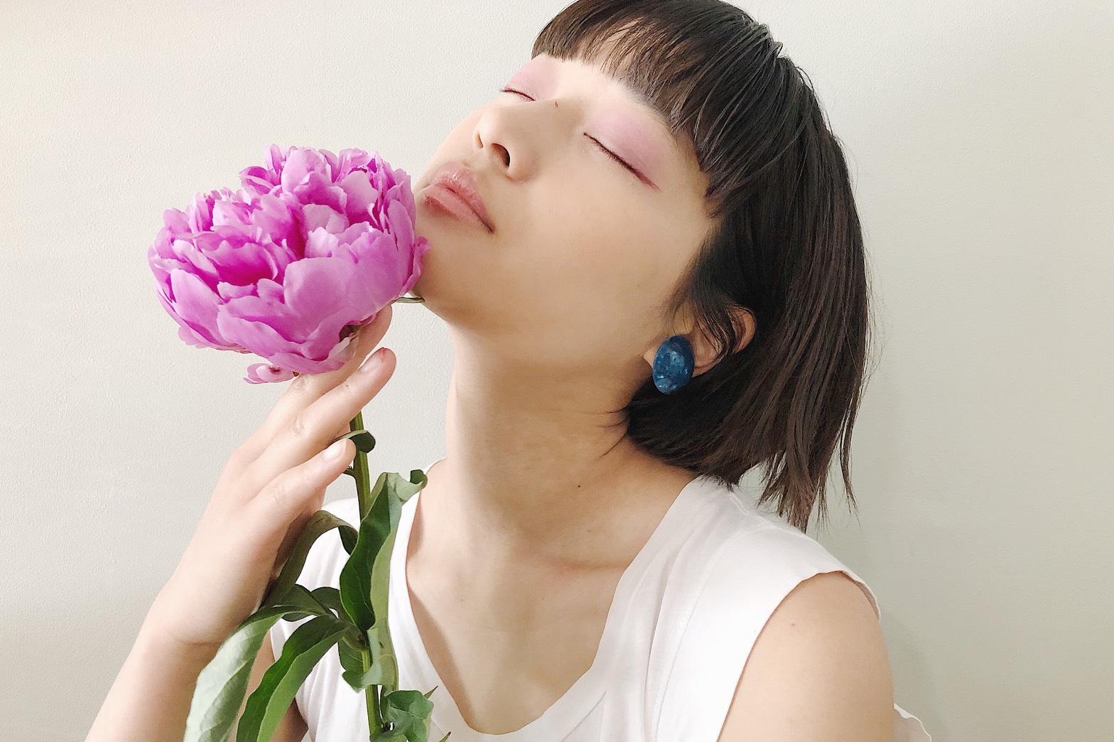"""【芍薬】髪と花 """"恥じらい"""" """"つつましさ"""""""